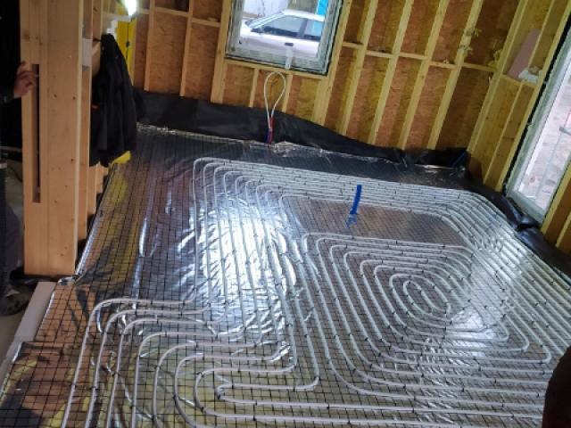 Instalacja ogrzewania podłogowego - dom jednorodzinny